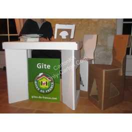 Stand en carton - 2 chaises et 1 table standard